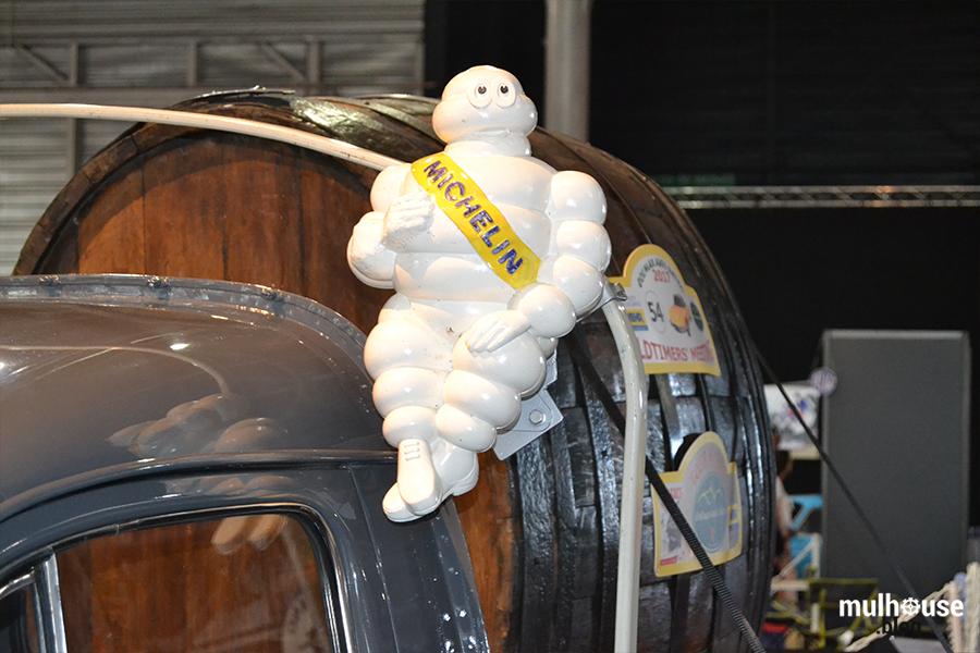 Festival des véhicules anciens -Mulhouse - 203 détail bonhomme Michelin